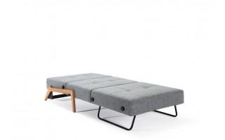 Fotel Cubed z nogami drewnianymi